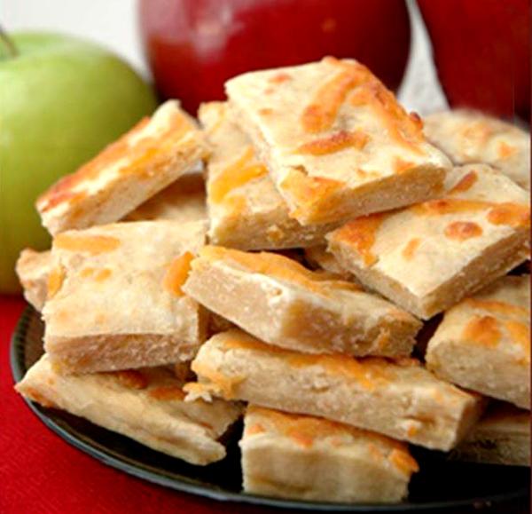 Хозяйкам на заметку: яблочно-сырное печенье