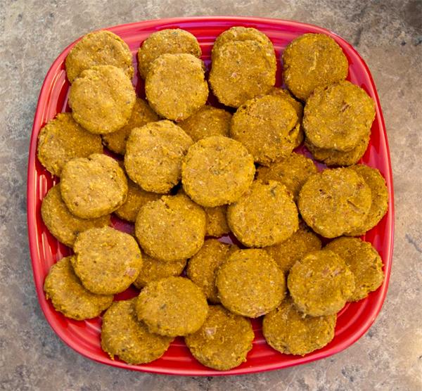 Хозяйке на заметку: печенье для собак из индейки и тыквы