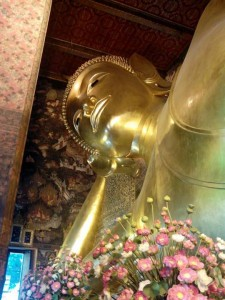 Reclining Buddha in Wat Po. Будда