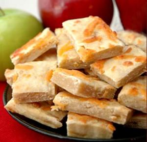 Хозяйкам-на-заметку-яблочно-сырное-печенье